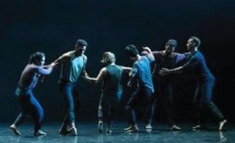 Doug Varone and Dancers onstage