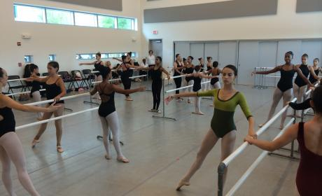 Dance classes at SMDCAC