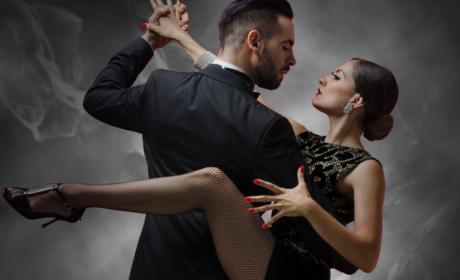 Beautiful Tango Lovers Dancers Dancing